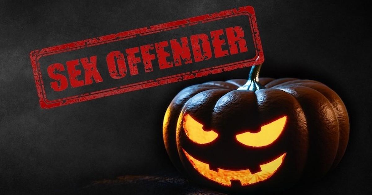 wisconsin sex offender halloween costume in Lewisville